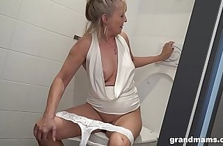 Vip  deutsch  ,  grannies  ,  horny   sex videos
