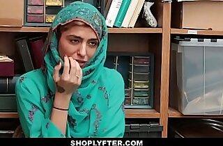 Shoplyfter Hot Muslim Teen Caught Harassed